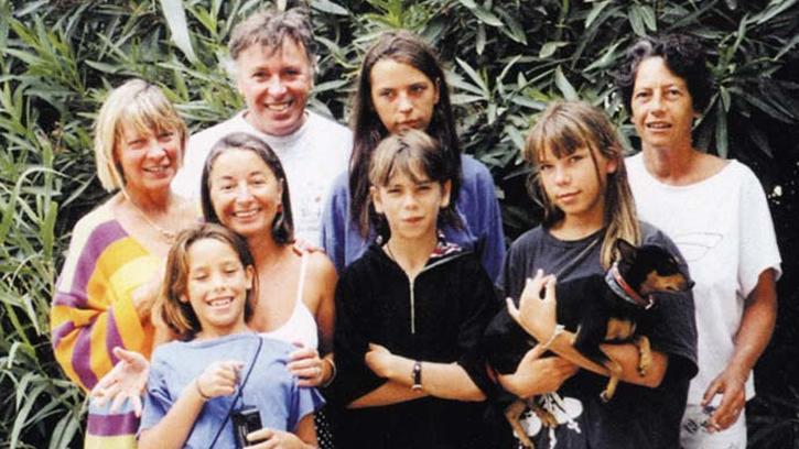 Louise, son père, ses mères, son frère et ses soeurs