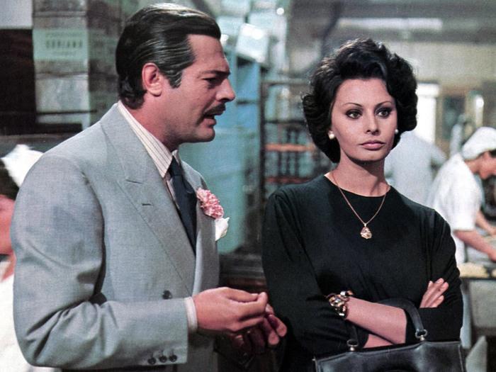 Marcello Mastroianni et Sophia Loren dans Mariage à l'Italienne