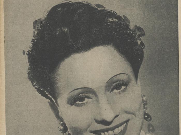 Arletty en couverture de La Revue de l'écran n° 526 B du 27 août 1942