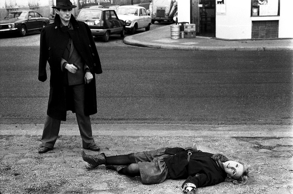 Avec Bulle Ogier dans <em>Le Pont du Nord</em> (Jacques Rivette, 1981). Photo de plateau Catherine Faux © C. Faux