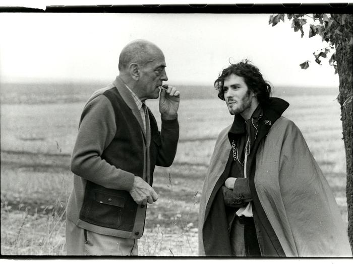 Avec Luis Buñuel sur le tournage de La Voie lactée, 1969. Photo de Jean Distinghin © D.R.
