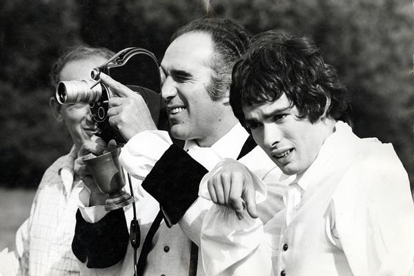 Avec Michel Piccoli sur le tournage de Benjamin ou les mémoires d'un puceau, fonds Michel Deville © Tous droits réservés