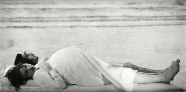 Avec Zouzou dans <em>Le Lit de la Vierge</em> (Philippe Garrel, 1969). Photo D.R.