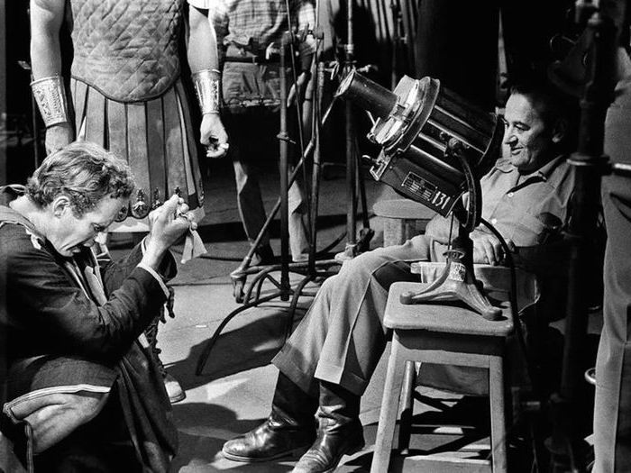 "Charlton Heston et William Wyler sur le tournage de ""Ben-Hur"" (1958)"
