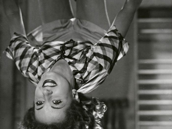 """Acrobaties dans """"Club de femmes"""" (Jacques Deval, 1936)"""