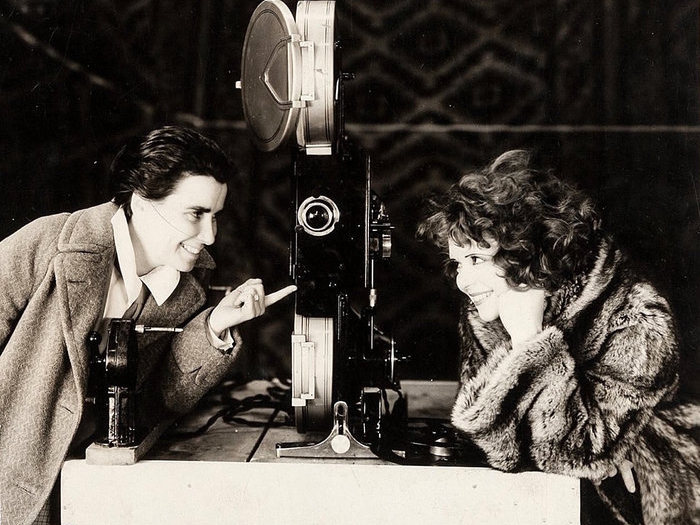 Dorothy Arzner et Clara Bow sur le tournage de The Wild Party (1929)