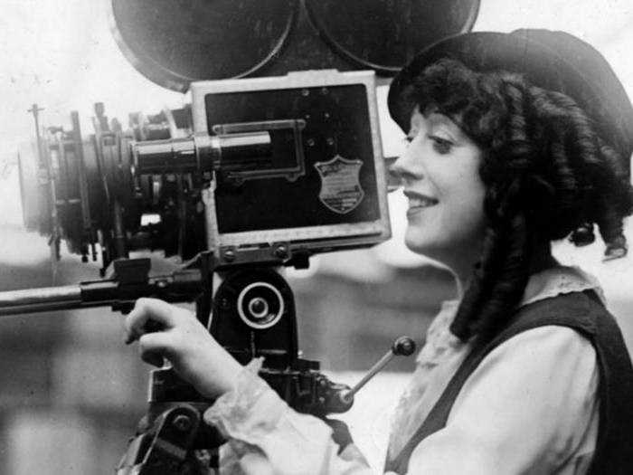 Et la femme créa Hollywood (Julia et Clara Kuperberg)