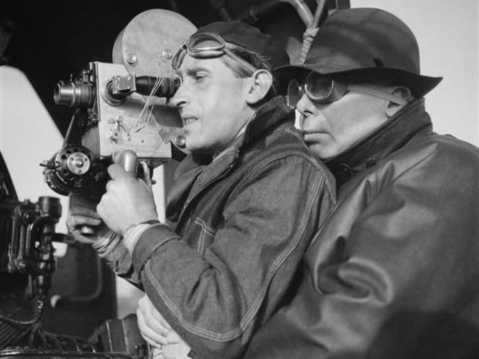 Jean Renoir et Curt Courant sur le tournage de La Bête humaine (Photo Sam Levin)