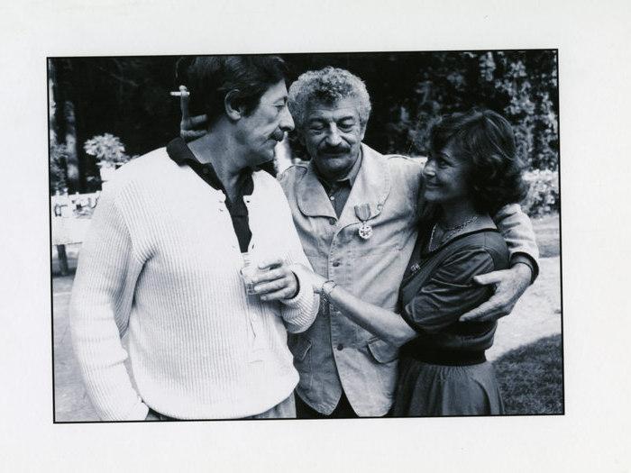 """Jean Rochefort, Yves Robert et Danièle Delorme sur le tournage de """"La Fille prodigue"""" de Jacques Doillon (1980) © Pierre homme"""