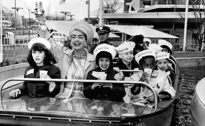 Joan Crawford à la Pespi-Col World Fair, 1964