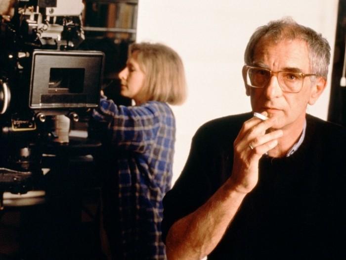 Krzysztof Kieślowski sur le tournage de Rouge (Photo Mk2/DR)