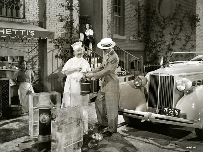 La Rue rouge (Fritz Lang) - Photo de plateau en extérieur