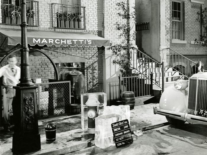 La Rue rouge (Fritz Lang) - Photo de décor extérieur