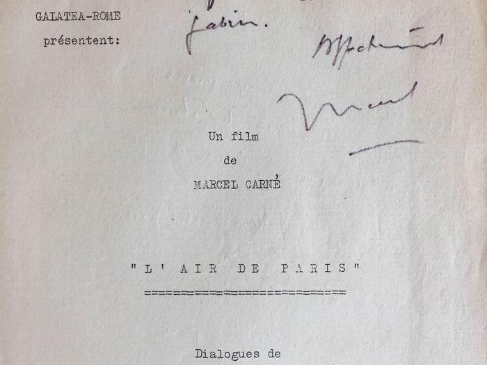 «Pour toi, Roland, en souvenir de ton tout premier grand rôle, où tu ne fus pas inférieur au «monstre» Gabin. Affectueusement. Marcel» Découpage technique dédicacé par Carné à Lesaffre. CARLES3B1