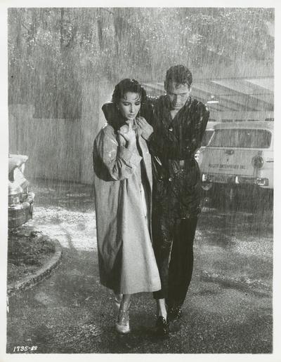 Liz Taylor et Paul Newman dans La Chatte sur un toit brûlant (Photo de tournage, DR)