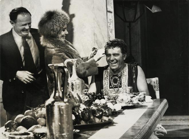 Mankiewicz, Taylor et Burton en visite à Almería (Photo de tournage, Fonds Lucie Lichtig)