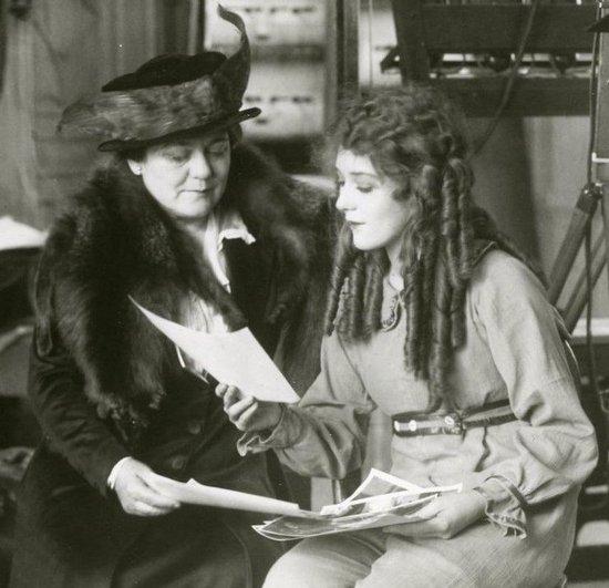 Mary Pickford et sa mère Charlotte Smith