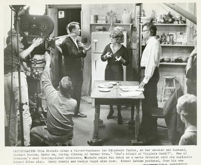 Mike Nichols, Taylor et Burton sur le tournage de Qui a peur de Virginia Woolf ? (DR)