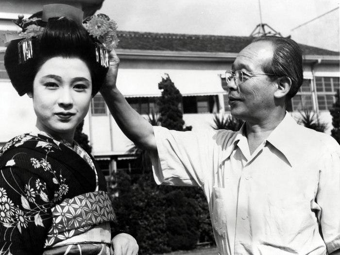 """Mizoguchi sur le tournage de """"La Fête de Gion"""" (1953)"""