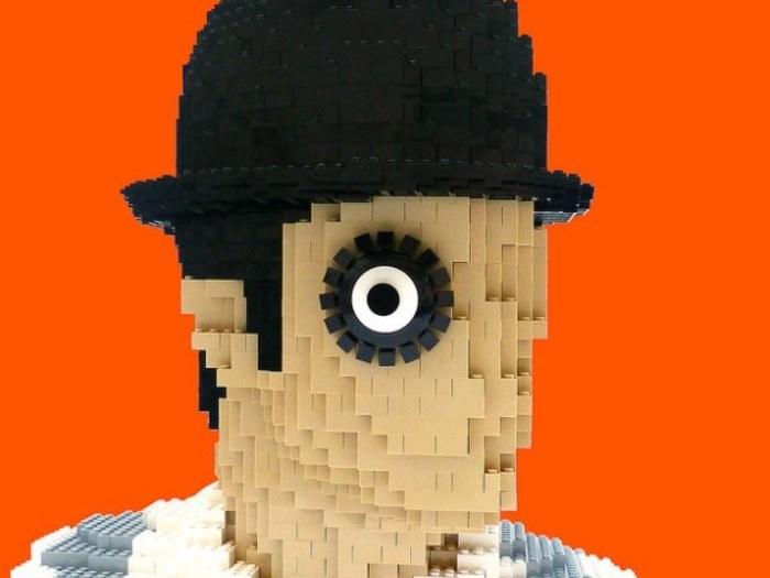 Sculpture Lego du personnage d'Alex par David Hughes (2 700 briques)