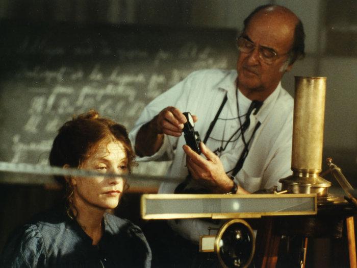 """Pierre Lhomme sur le tournage des """"Palmes de M. Schutz"""" de Claude Pinoteau (1996) © DR"""