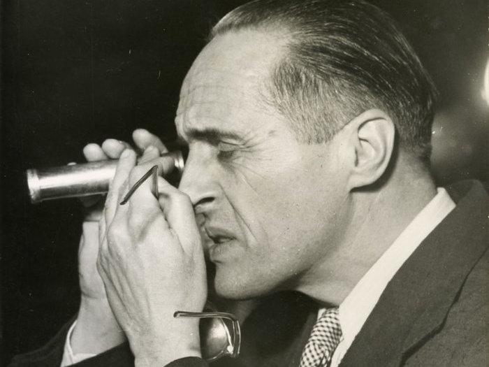 René Clair sur le tournage des Belles de nuit (1952)