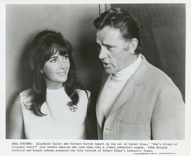 Richard Burton et Liz Taylor sur le tournage de Qui a peur de Virginia Woolf ? (Photo de promotion DR)