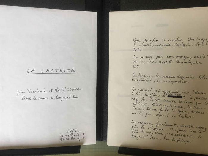 « C'est la première page du découpage manuscrit de Michel, moi, j'écris comme un cochon ! » Découpage de La Lectrice. Fonds d'archives DEV 443B99
