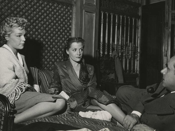 Simone Signoret et Véra Clouzot dont les rapports tendus n'étaient pas pour déplaire à Clouzot (Michel Serrault)