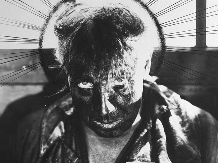Sisif dans La Roue (Abel Gance), photographie de plateau retouchée à l'encre, coll. Fondation Pathé © 1923–Fondation Jérôme Seydoux-Pathé