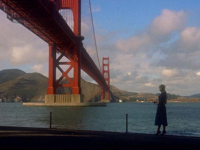 « Vertigo », Madeleine devant le pont de San Fransisco