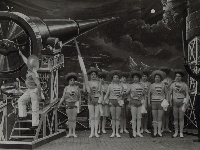 Le Voyage dans la Lune - Tableau 7 (Georges Méliès, 1902)