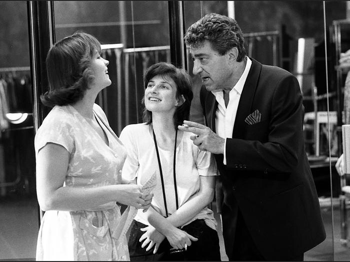 Myriam Boyer, Chantal Akerman et John Berry sur le tournage de Golden Eighties (photographie © Jean Ber)