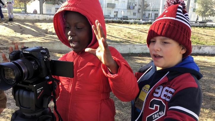 Au loin s'en vont les nuages, les enfants du monde filment le climat : 2