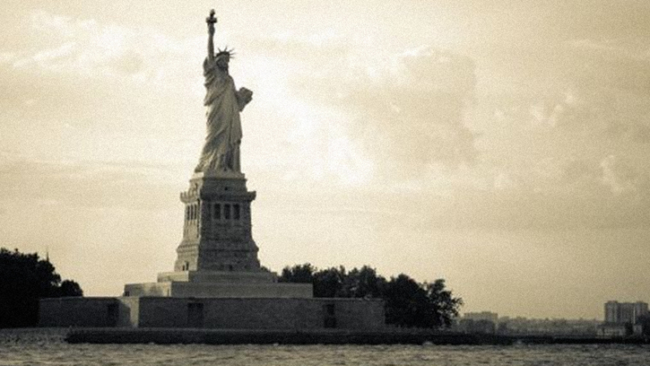 Lady By the Sea: The Statue of Liberty