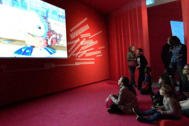 Visite LSF de l'exposition Mômes & Cie
