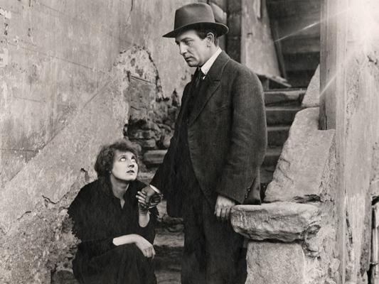 Travail - Henri Pouctal - 1919 - Collections La Cinémathèque française © Pathé