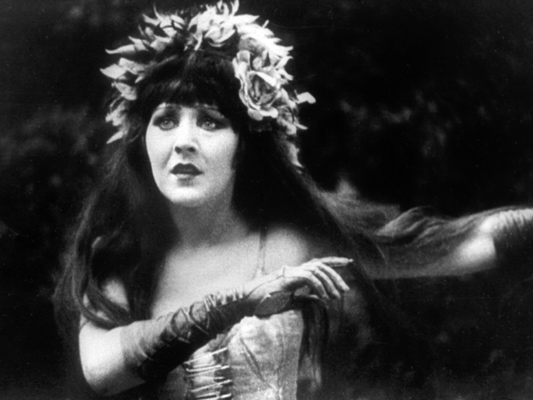 Sur un air de charleston - Jean Renoir - 1926 - © Studio Canal - Collections de la Cinémathèque française