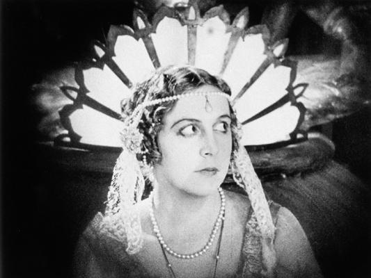 Le Chant de l'amour triomphant - Viacheslav Tourjansky - 1923 -Collections La Cinémathèque française