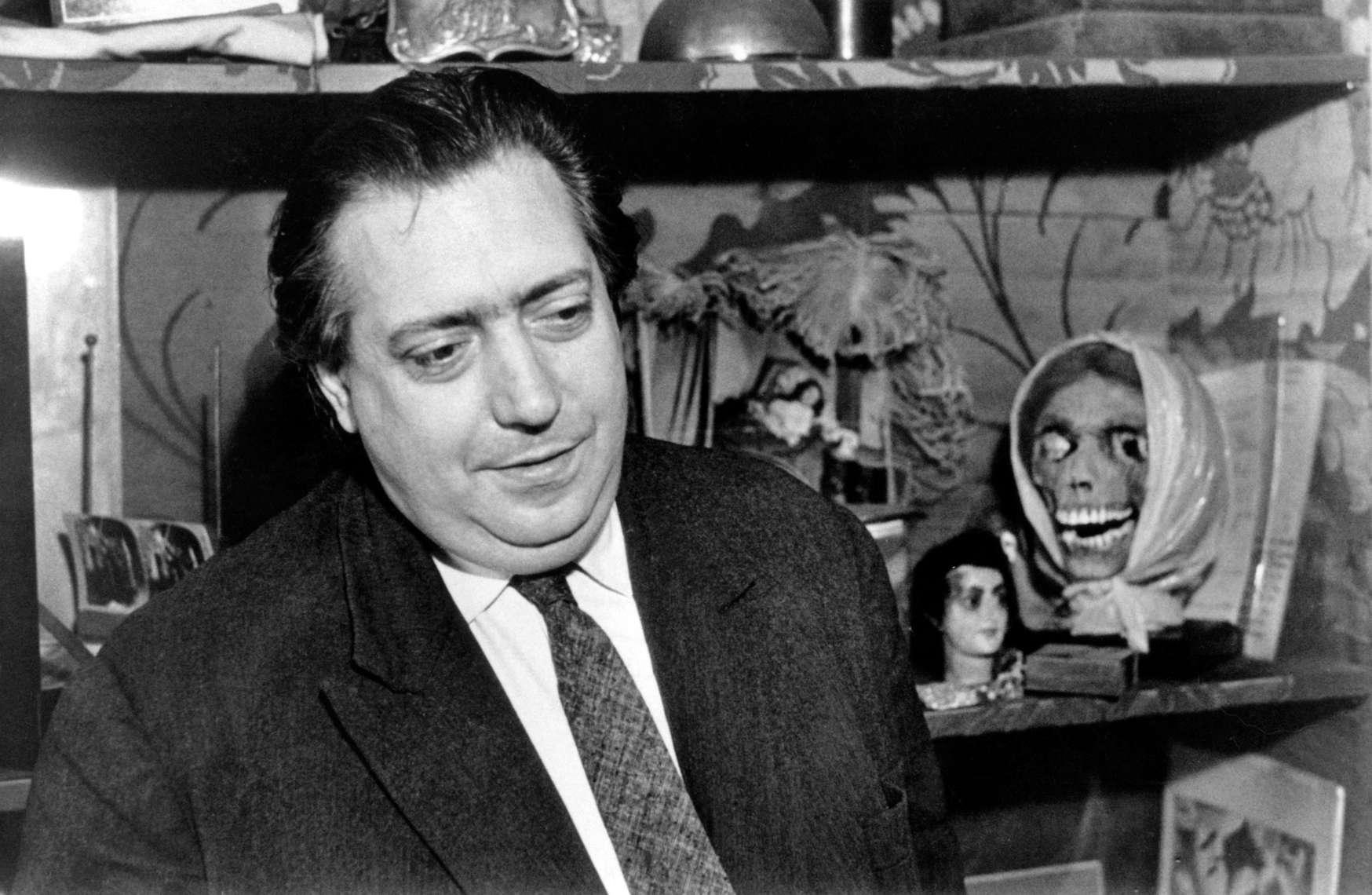 Henri Langlois dans son bureau