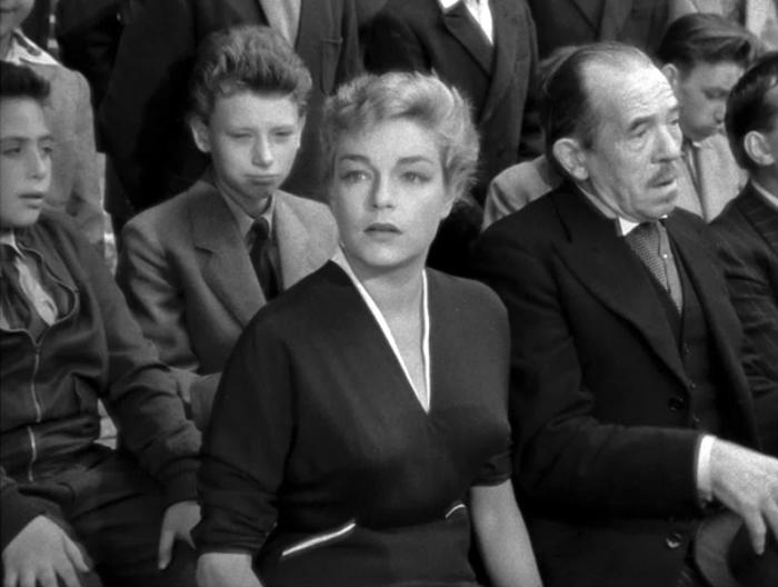 Johnny Hallyday avec Simone Signoret et Pierre Larquey dans Les Diaboliques