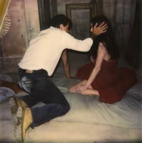 Photographie de tournage : Patrice Chéreau donnant des indications à une actrice (fonds Suzanne Durrenberger)