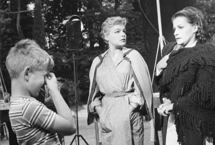 Simone Signoret et Véra Clouzot sur le tournage des Diaboliques